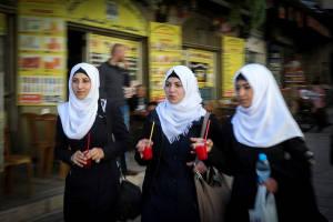 Arab girls stroll freely in Israel. (Nati Shohat/Flash90)